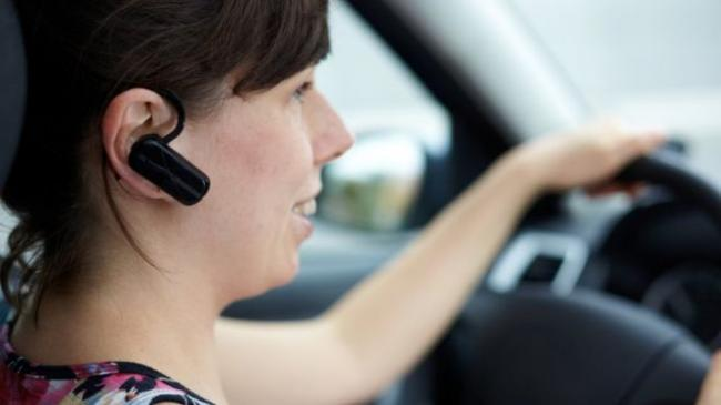 Ban on drivers using handsfree should  be considered