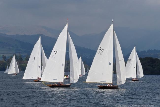 The 17 Foot fleet in action at the weekend. Pic: Ian Watts