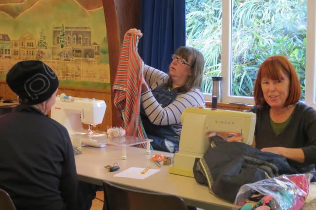The Simply Repair Cafe runs a number of free pop-up eco- and sustainability courses and events