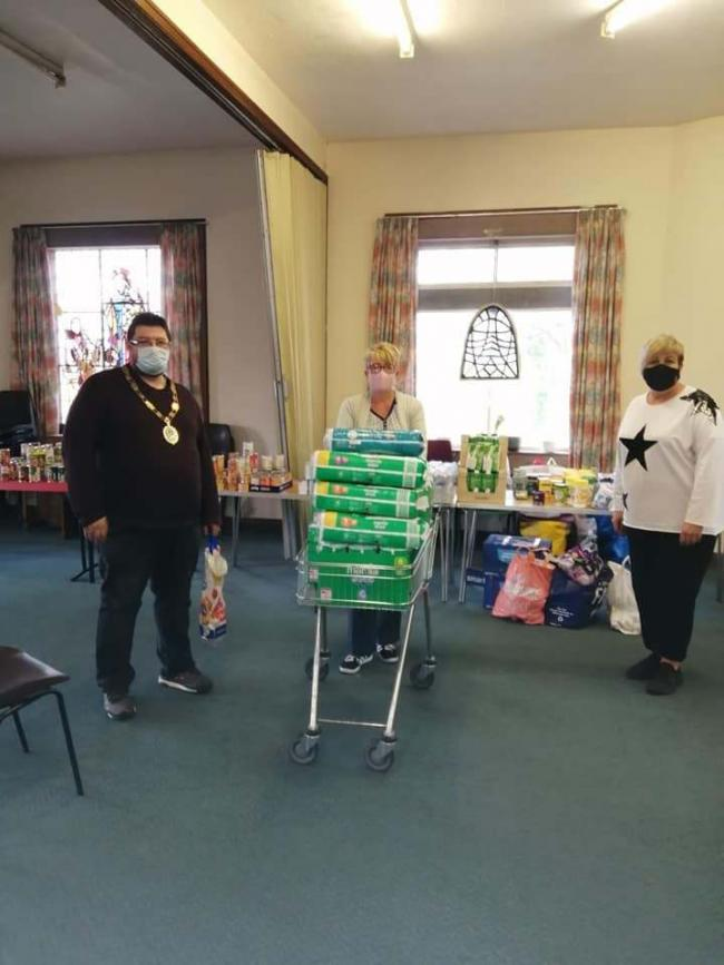 VISIT: Dalton's mayor, Nick Perie, at the town's foodbank.