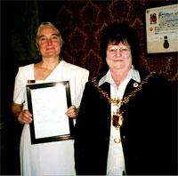 Mayor of Kendal Gwen Murfin is pictured in the mayor's parlour with Jacquetta Gomes.