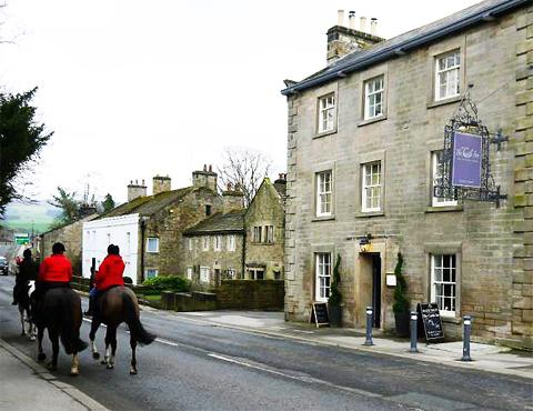 The Castle Inn . . . a delightful place to eat, drink and be merry.