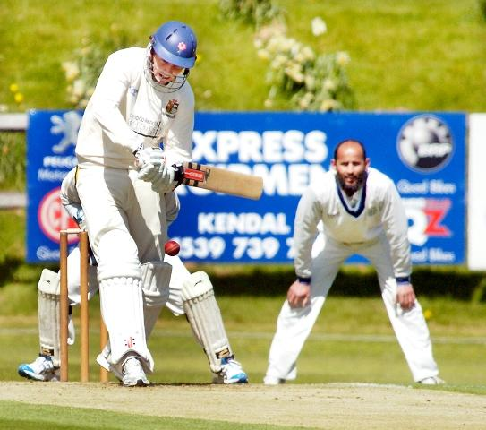 Netherfield pro Cobus Pienaar lines up a six on his way to 100 n-o