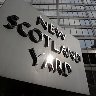Six people have been arrested in a Scotland Yard counter-terrorism operation
