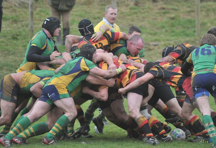 Kirkby Lonsdale maul their way to a fourth and bonus point try against Fleetwood on Saturday