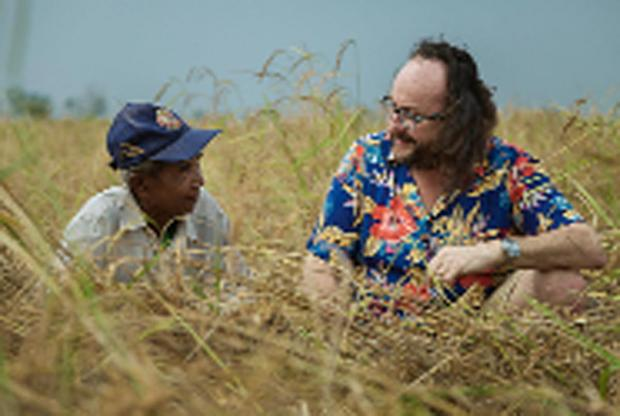 Dave Myers meets a 65-year-old rice farmer in Prum Kong