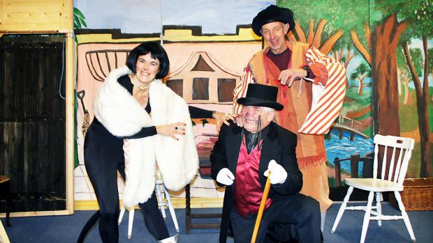 Panto fever grips Crosthwaite - oh yes it does!