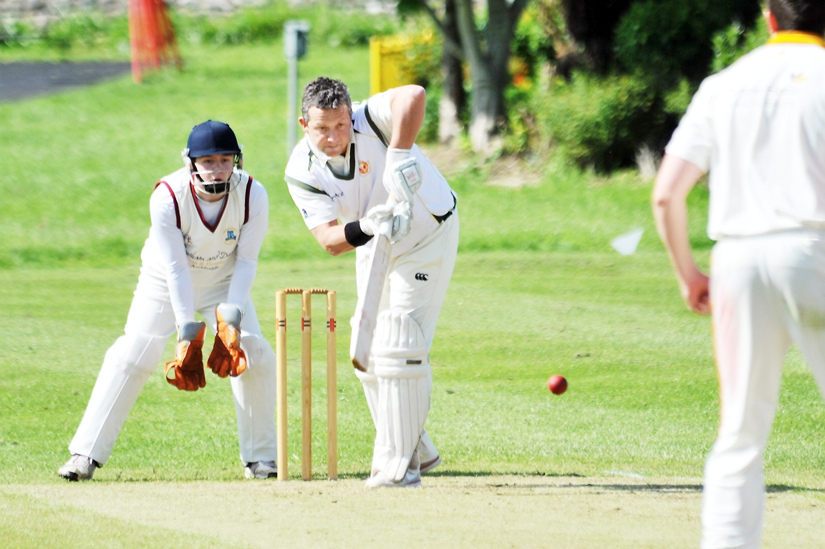 Shireshead's bright start to the season continues as reigning champions Arnside suffer first defeat of summer