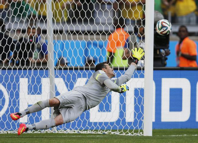 Hosts Brazil squeeze past Chile on penalties