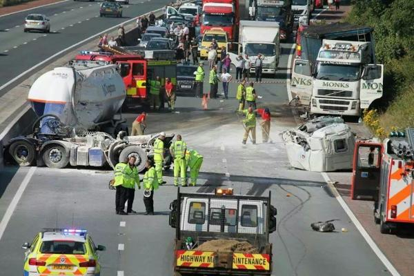 Eight hour snarl-up on M6 after lorry cement spill
