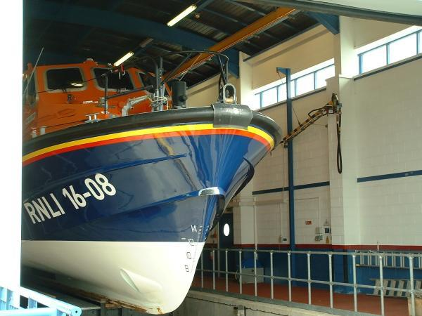 Barrow RNLI lifeboat tows in disabled yacht