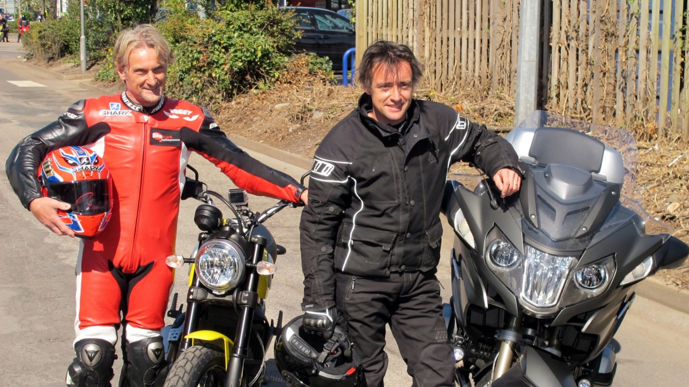 The pair joined 3500 bikers on 23 mile ride out to bike4life