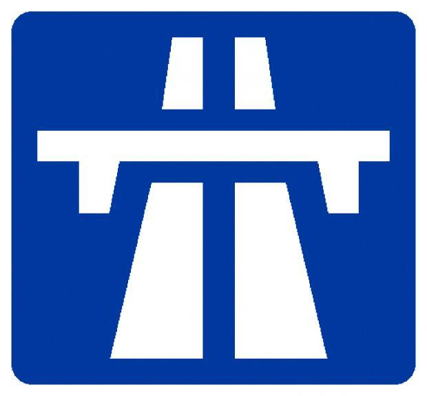 One lane of M6 is closed