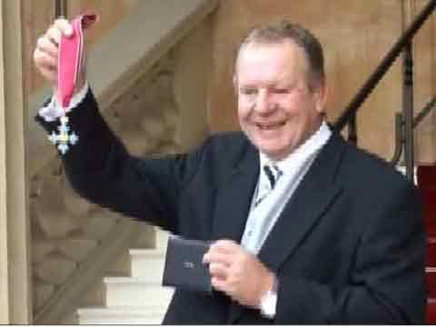 VIDEO: Former Fylde captain Bill Beaumont honoured by Queen
