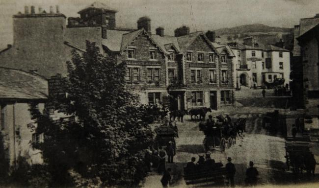 Coaches leaving Ambleside in 1902