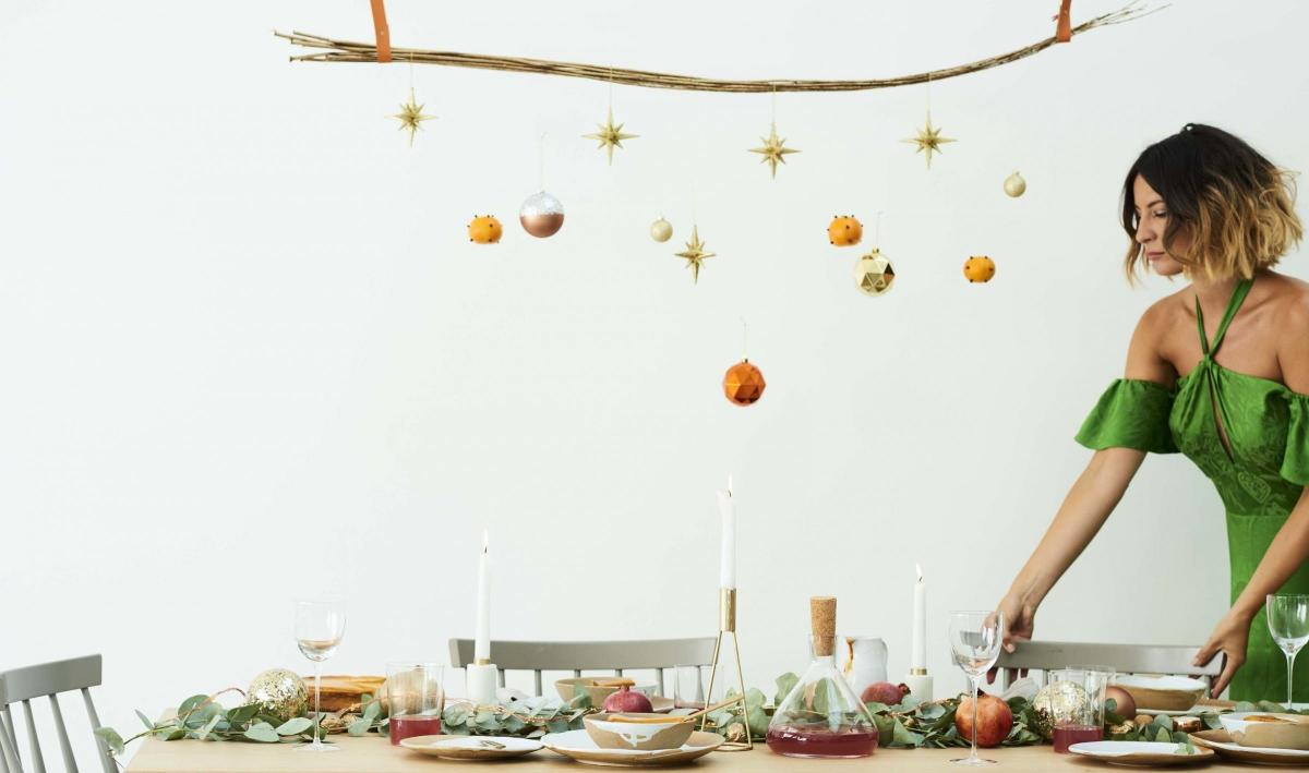 three easy themes for christmas tables from stylist anna barnett